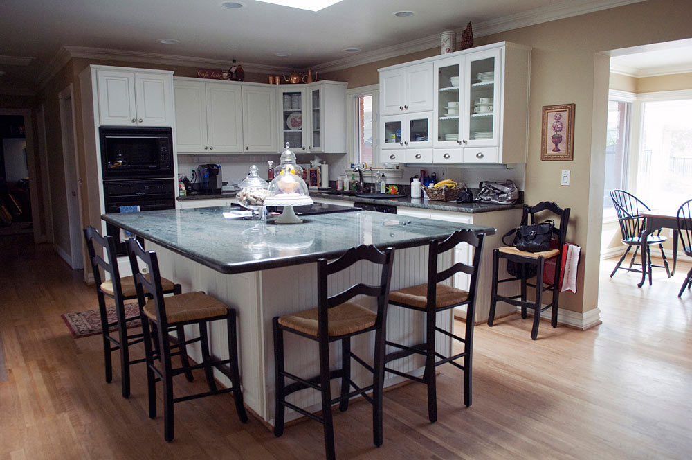 81150 Classic Open Kitchen With Breakfast Nook Az